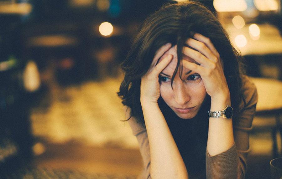 کتاب ده کار احمقانه ای که زندگی زنها را خراب میکند
